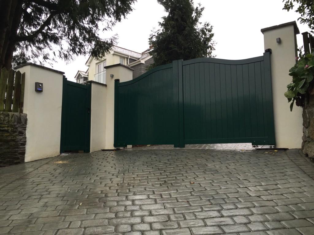 Aluminium green gates in cornwall