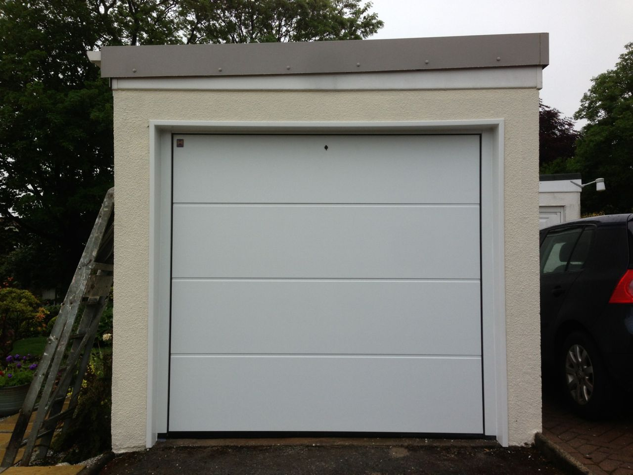 Garage doors south west garage doors sliding doors these are available in a range of materials and styles there are three main manufacturers that we use hormann hst vertico and rundum mier rubansaba