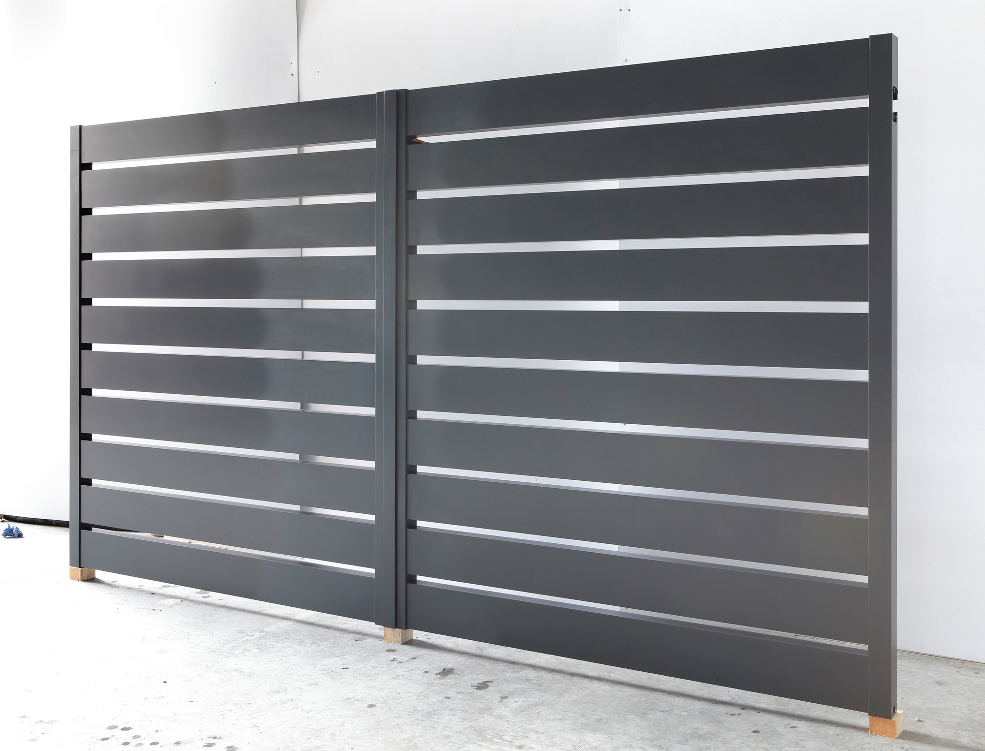 Aluminium Gates In Ral7016 Anthracite Grey After Finishing
